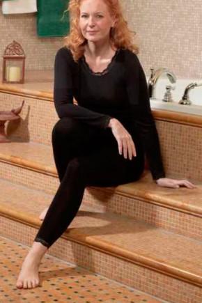 Лосины женские Engel из шерсти и шёлка черные с кружевом