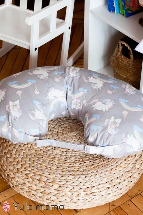 Подушка для кормления Юла Mama единороги на сером NUR-1.2.1